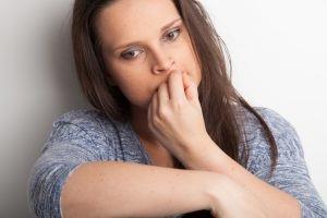 عوارض جویدن ناخن