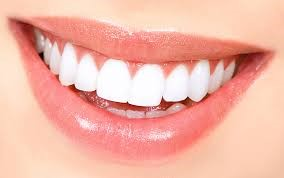 آنچه باید راجع به سفید کردن دندان ها بدانید
