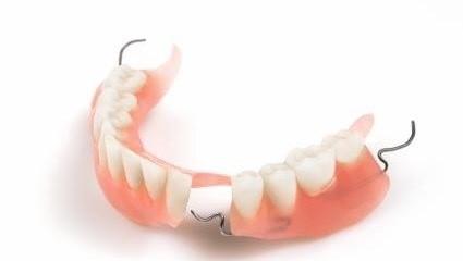 پروتز مصنوعی جایگزین دندان