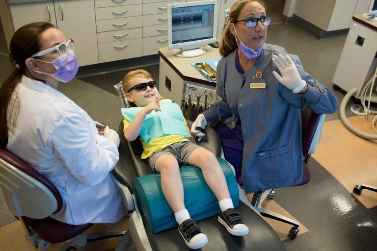 بیهوشی عمومی دندانپزشکی کودکان
